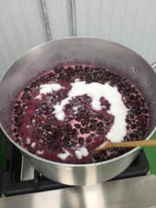 elaboracion-mermelada-cereza-bolea-1