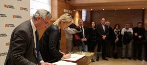 los-consejeros-de-economia-y-desarrollo-rural-firman-el-convenio-de-colaboracion